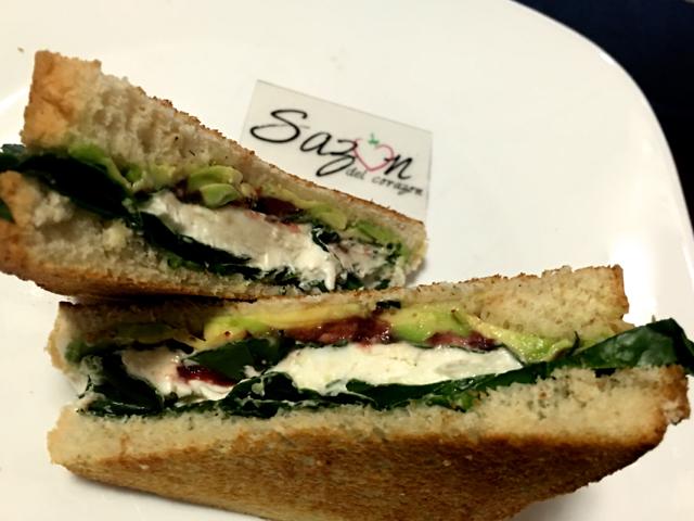 sandwich de espincas  queso cabra