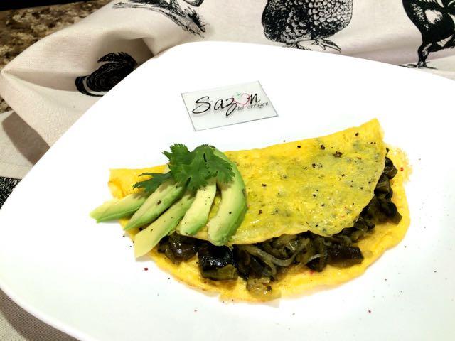 Quesadilla de huevo con rajas de chile poblanol